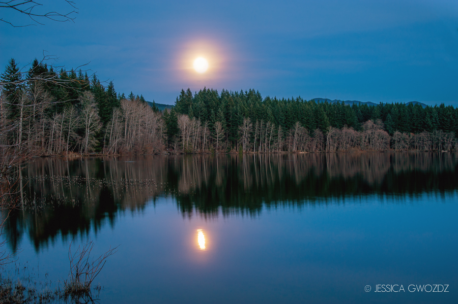 Moonrise over Lake Padden in Bellingham, Washington, photography by Jessica Gwozdz